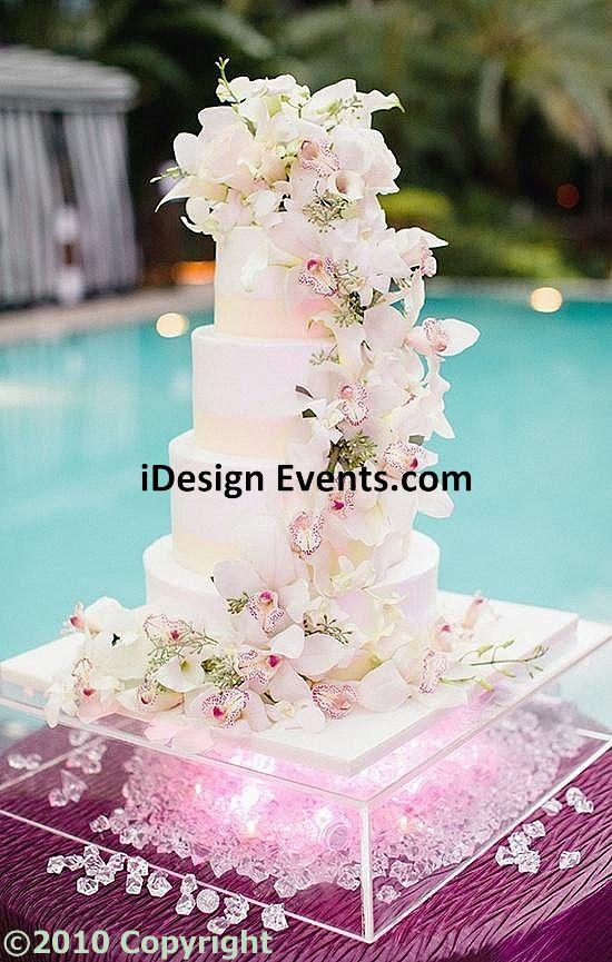 Crystal Cake Table Decor Ideas